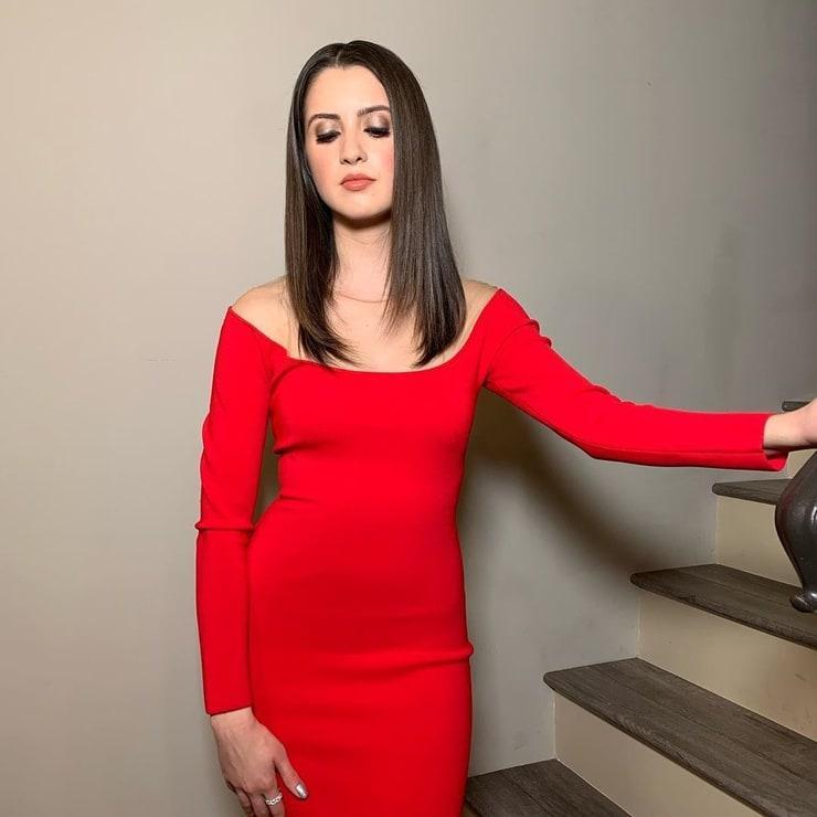 Laura Marano sexy look pic