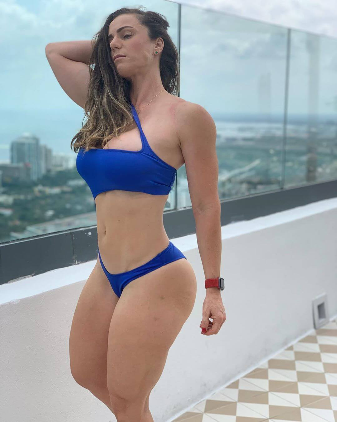 Linda Durbesson hot pics