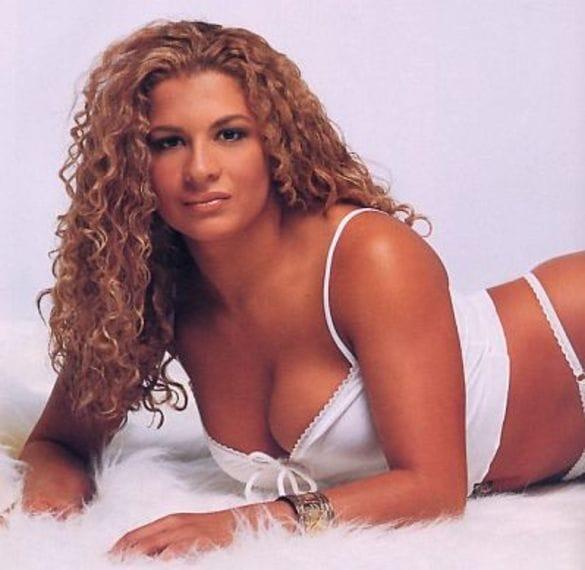 Nidia Guenard hot look