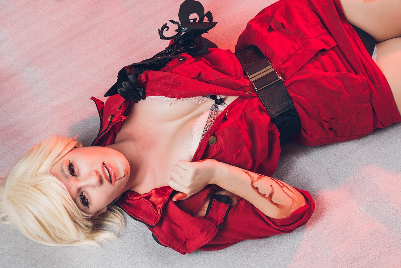 Seras Victoria hot look