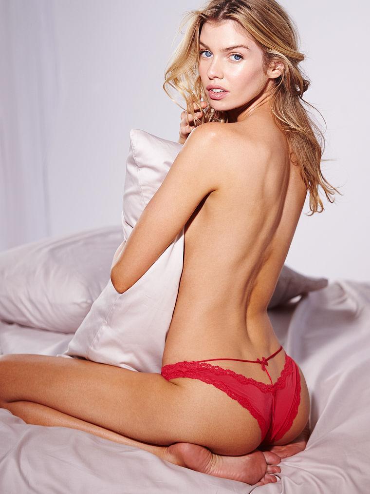 Stella Maxwell hot look