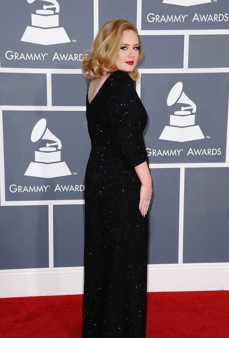 Adele sexy butt pics