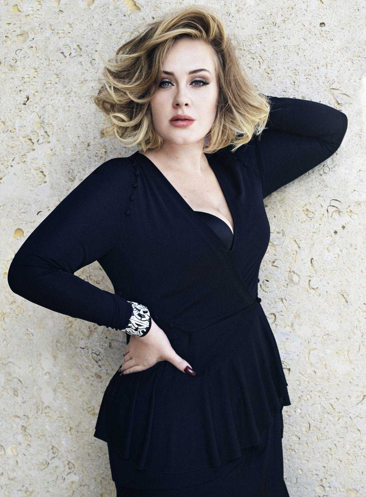 Adele sexy cleavage pics
