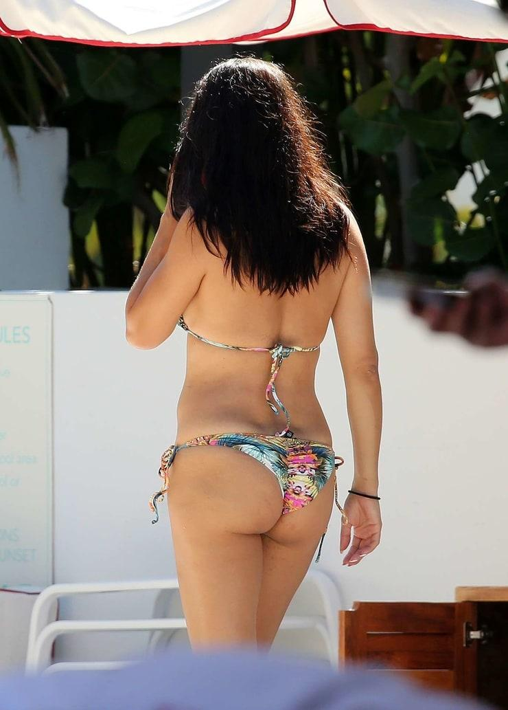 Adriana Lima butt pictures