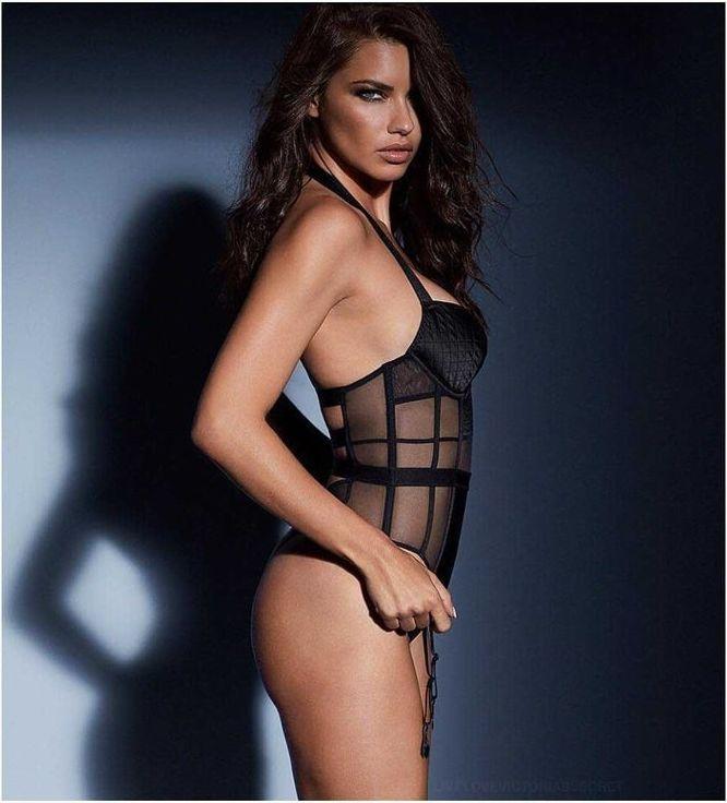 Adriana Lima hot side butt pics
