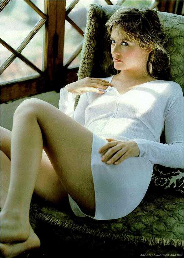 Alicia Silverstone ass pics
