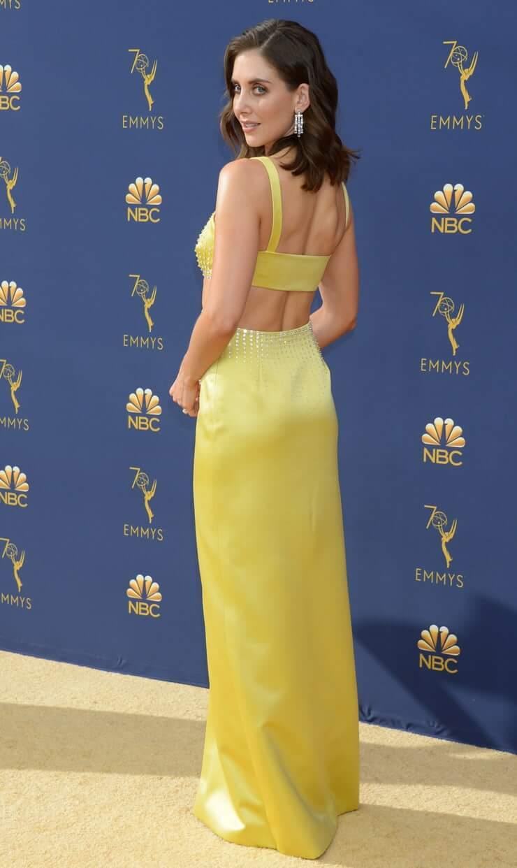 Alison Brie amazing butt pics