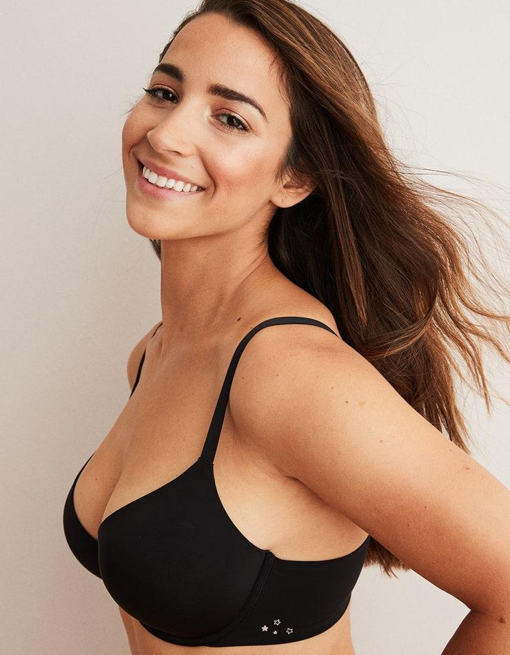 Aly Raisman sexy side boobs pics