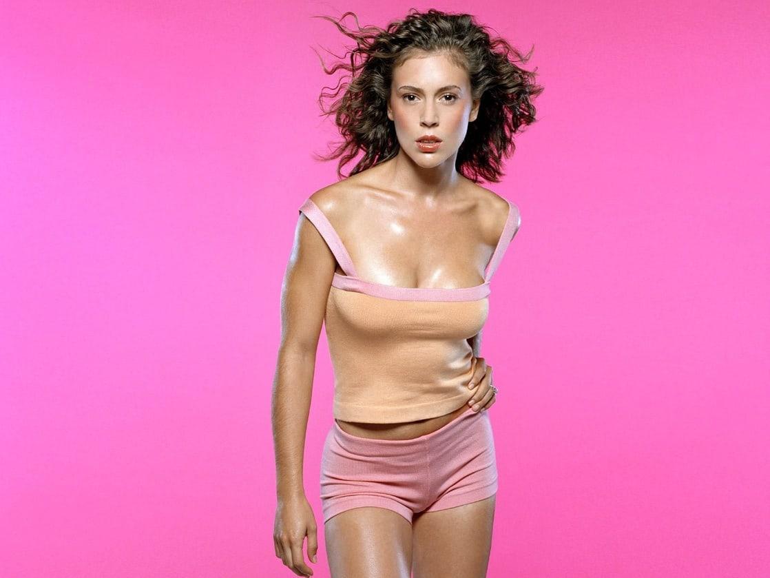 Alysa Milano hot look pics