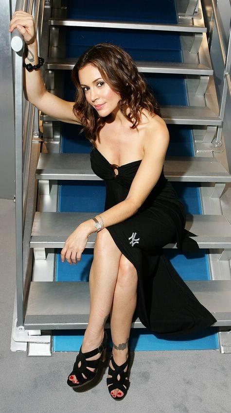 Alysa Milano topless pics