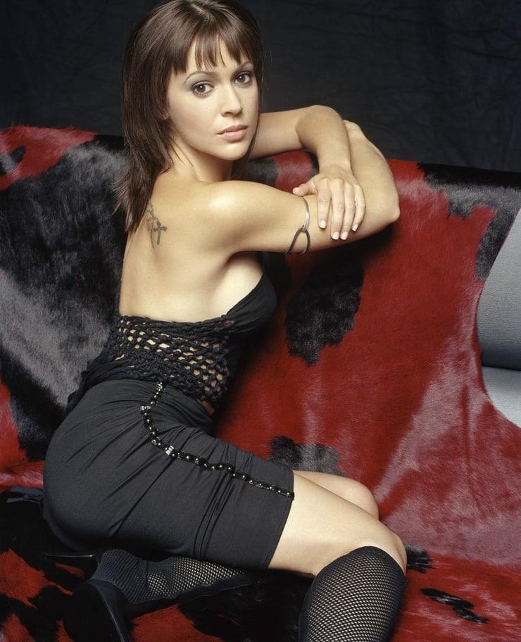 Alyssa Milano big booty pictures