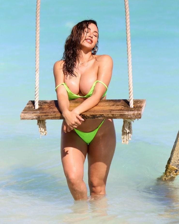 Ana Cheri big boobs pics