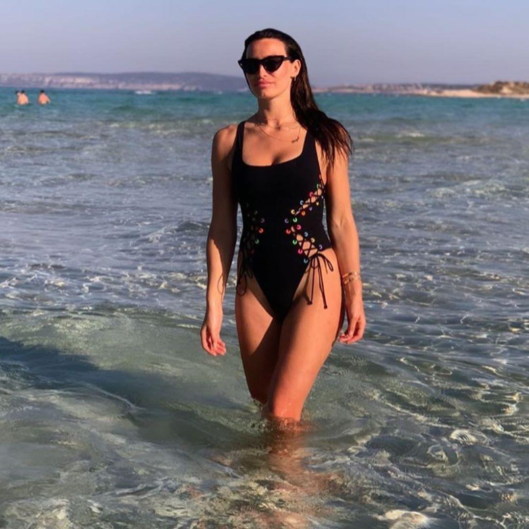 Annie Kilner hot lingerie pics