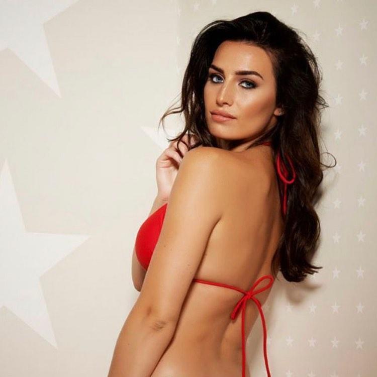 Annie Kilner sexy back pics