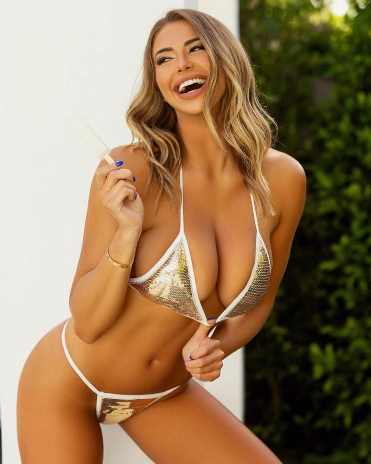 Antje Utgaard bikini pics