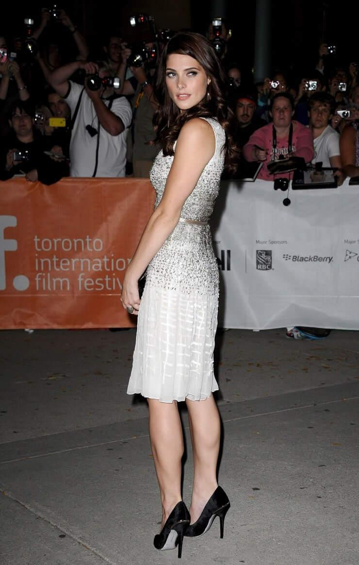 Ashley Greene ass pictures