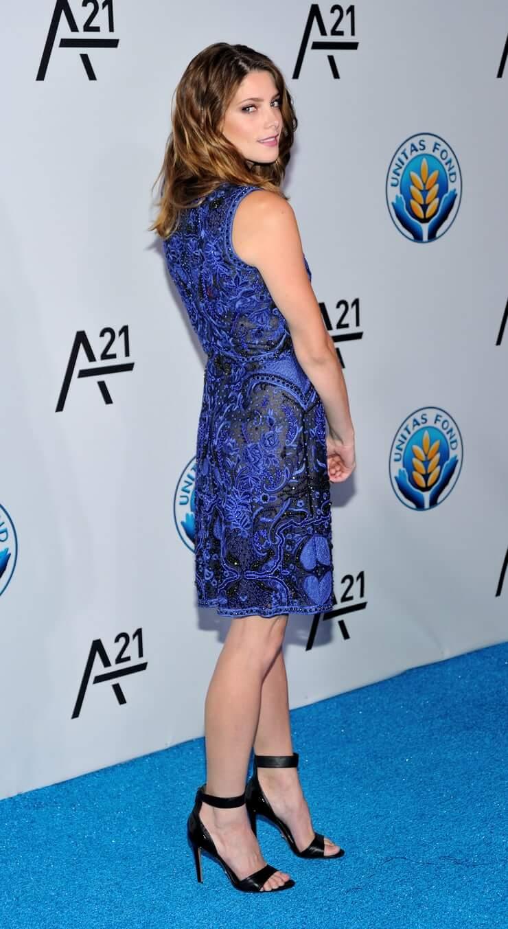 Ashley Greene beautiful butt pics