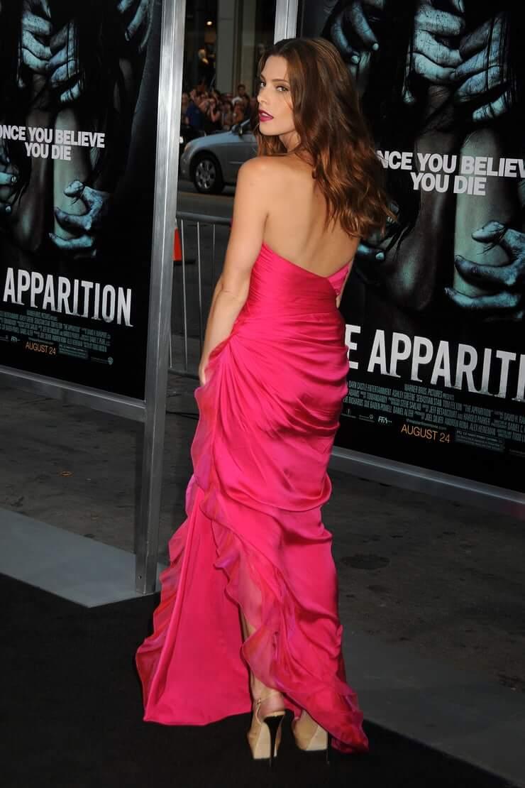 Ashley Greene hot dress pics