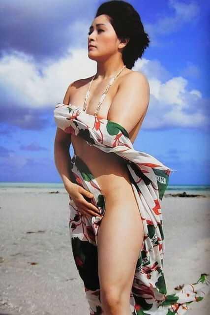 Ayako Hamada near nude pics