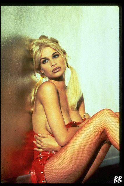 Bobbie Brown naked pics
