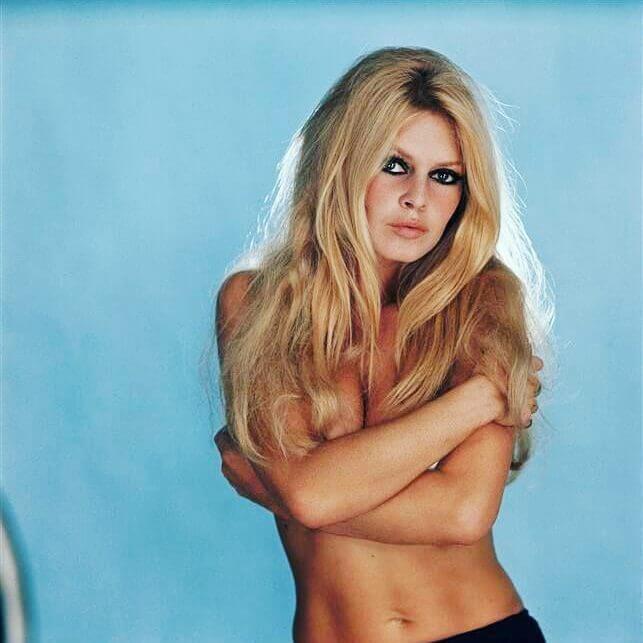 Brigitte Bardot topless pics