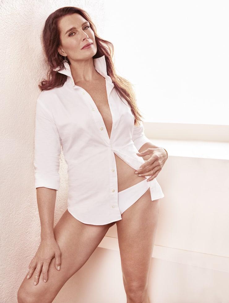 Brooke Shields hot look pic