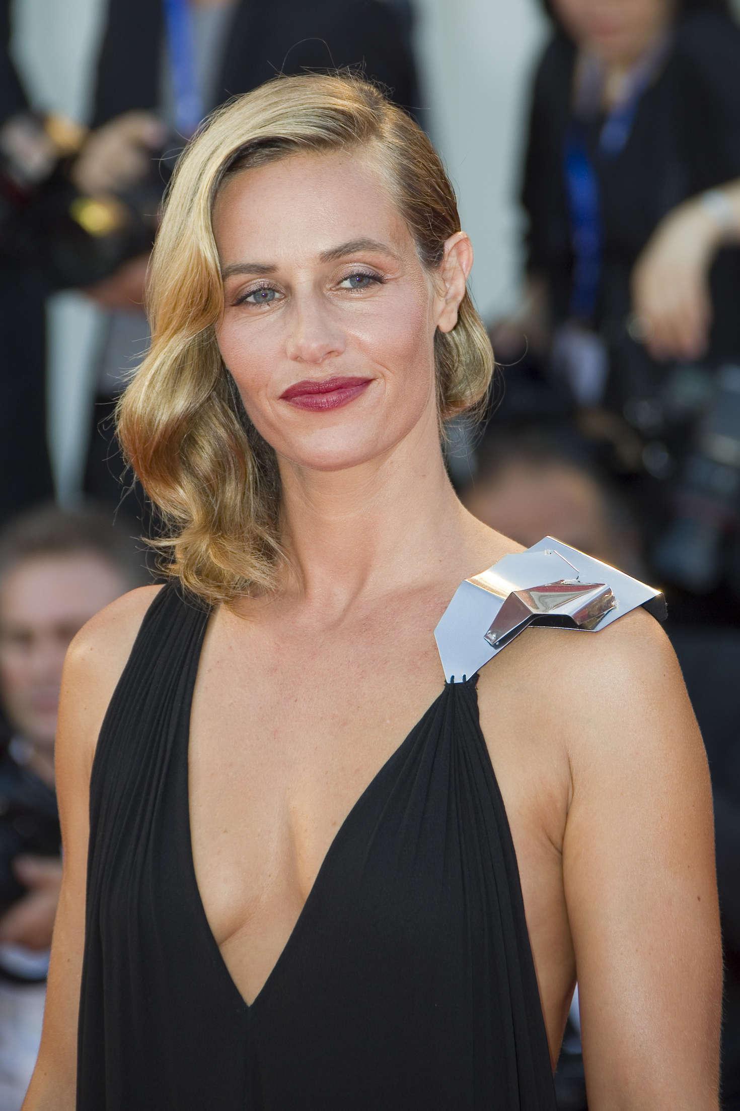 Cécile de France sexy