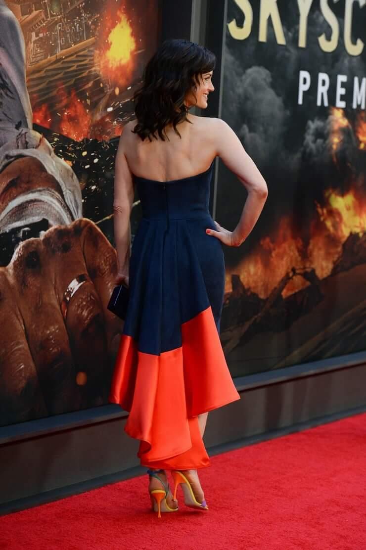 Carla Gugino amazing ass pics