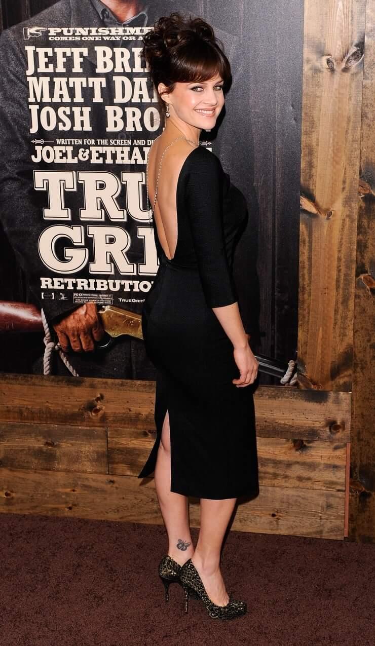 Carla Gugino amazing booty pics