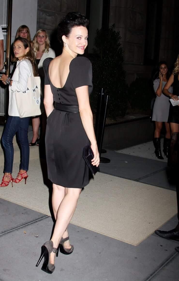 Carla Gugino bg booty pics