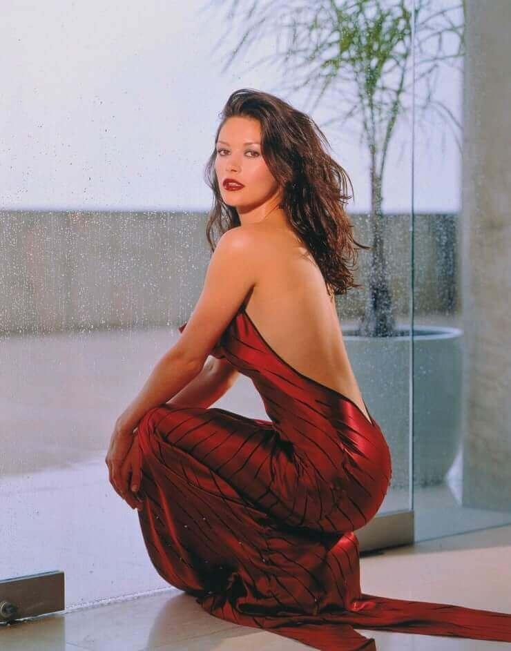 Catherine Zeta-Jones big booty pics