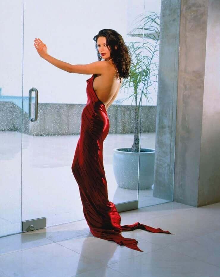 Catherine Zeta-Jones butt pictures