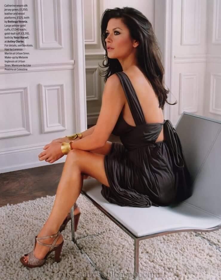 Catherine Zeta-Jones hot pics
