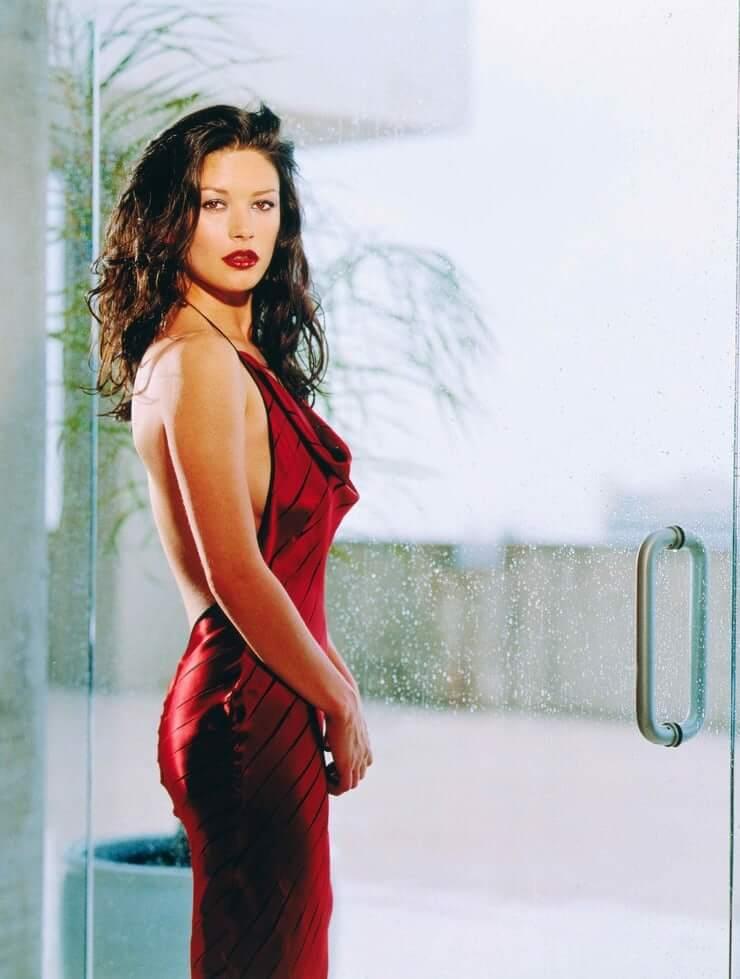 Catherine Zeta-Jones hot side butt pic