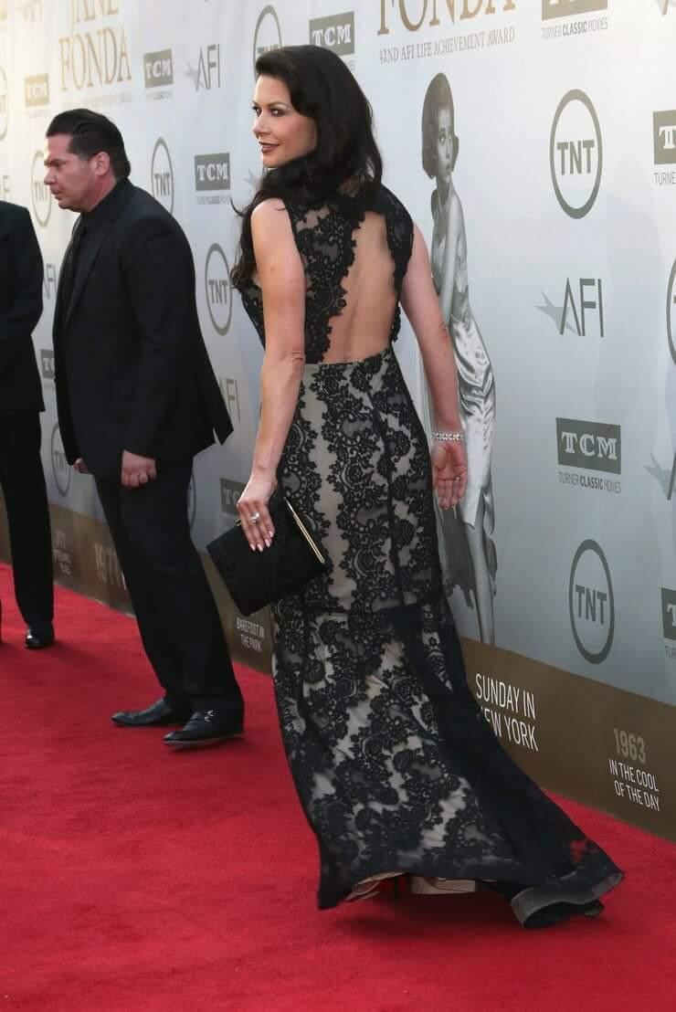 Catherine Zeta-Jones sexy look pics