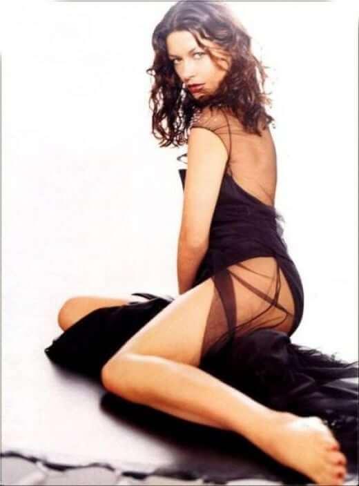 Catherine Zeta-Jones sexy pics