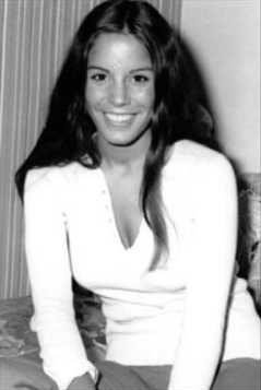 Celine Lomez sexy pics
