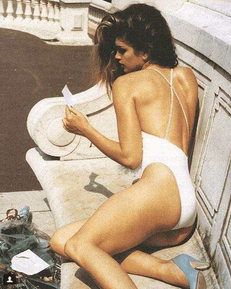 Cindy Crawford hot ass pics