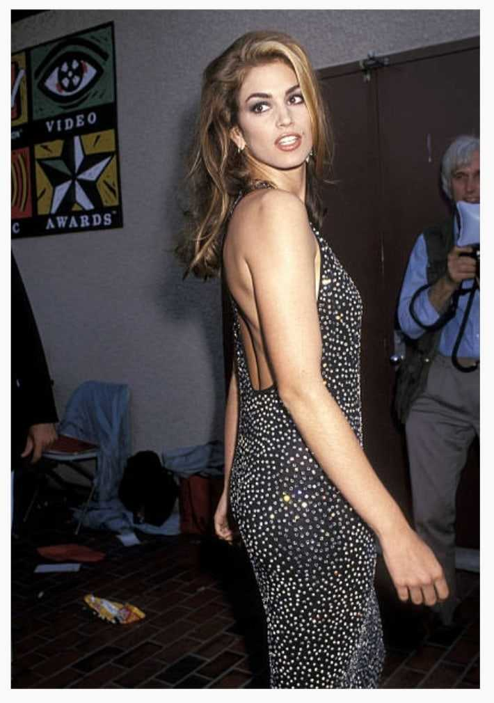 Cindy Crawford sexy booty pics