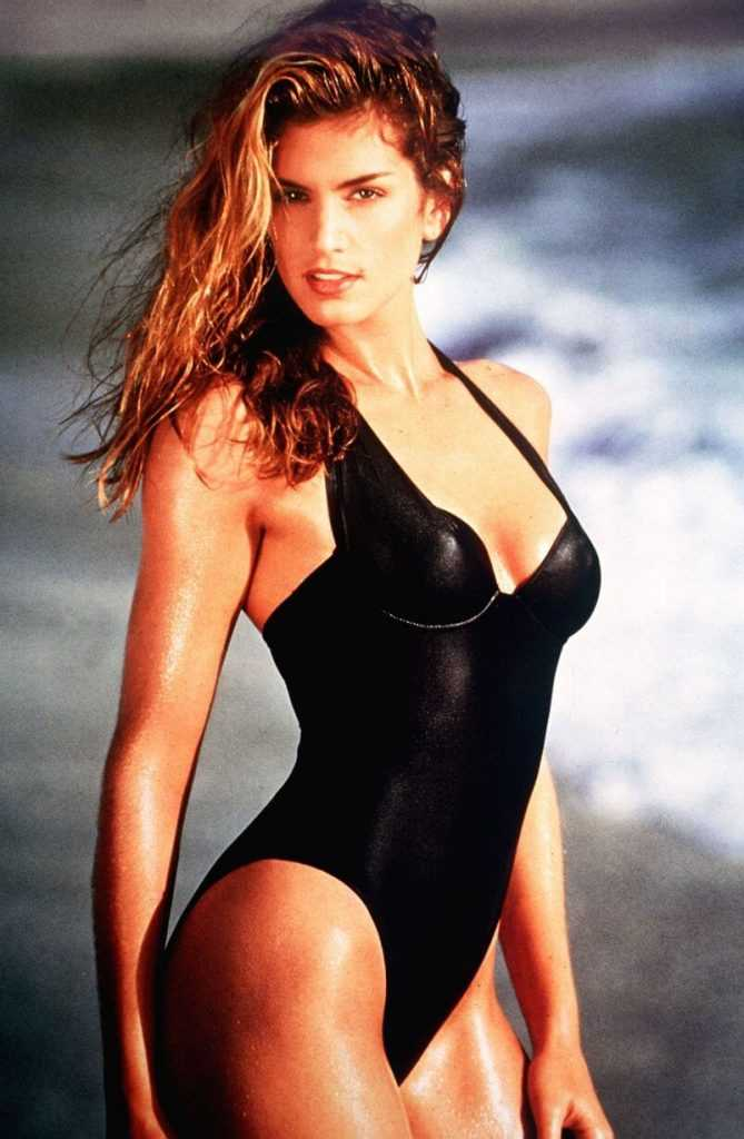 Cindy Crawford sexy lingerie pics