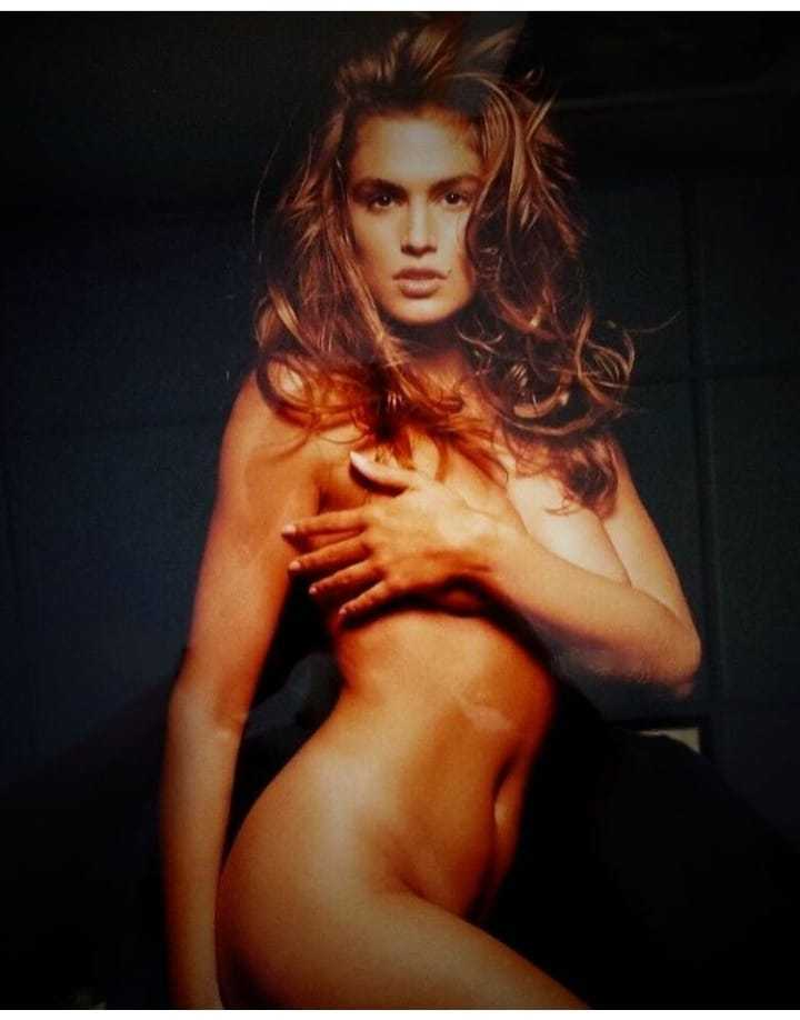 Cindy Crawford topless pics