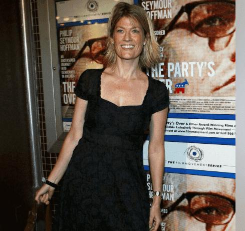 Dana Wheeler-Nicholson hot pic