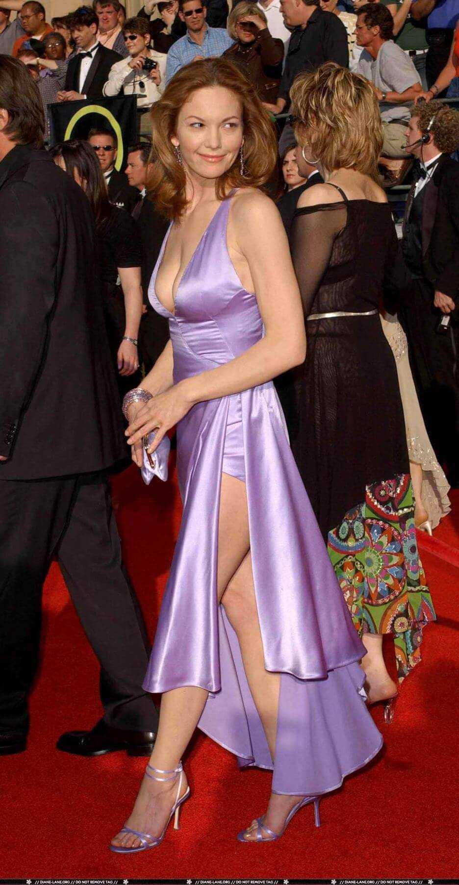 Diane Lane hot side boobs pics
