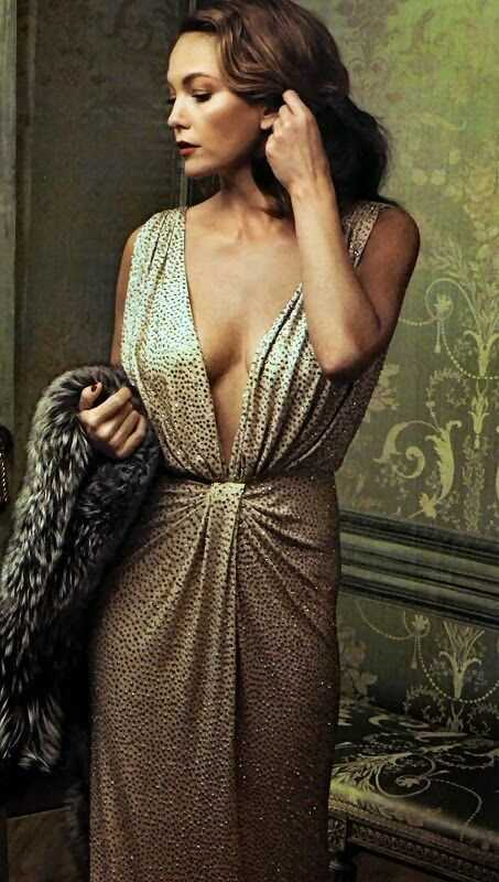 Diane Lane sexy cleavage pics