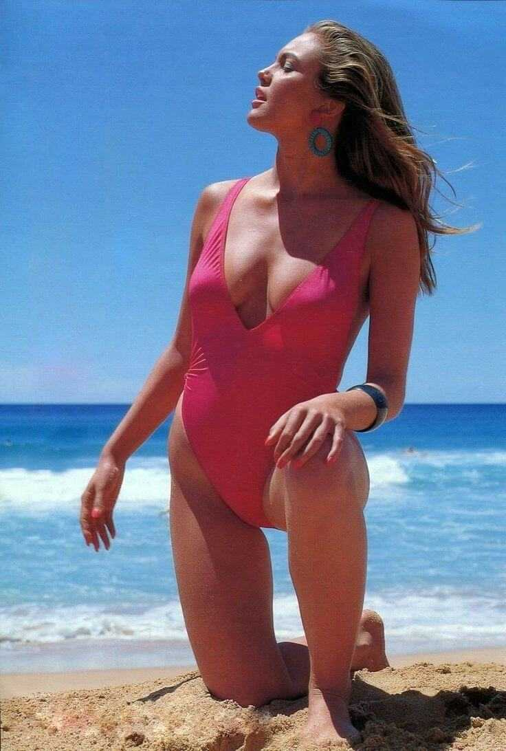 Diane Lane sexy pink lingerie pics