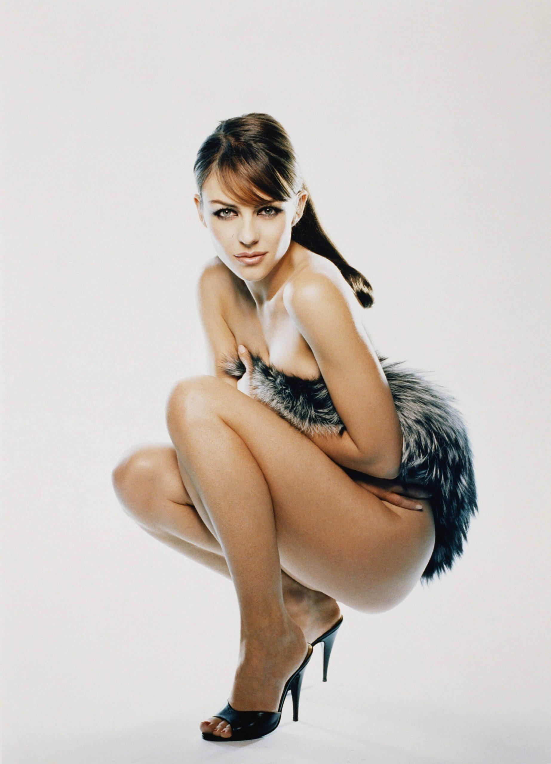 Elizabeth Hurley sexy ass pics