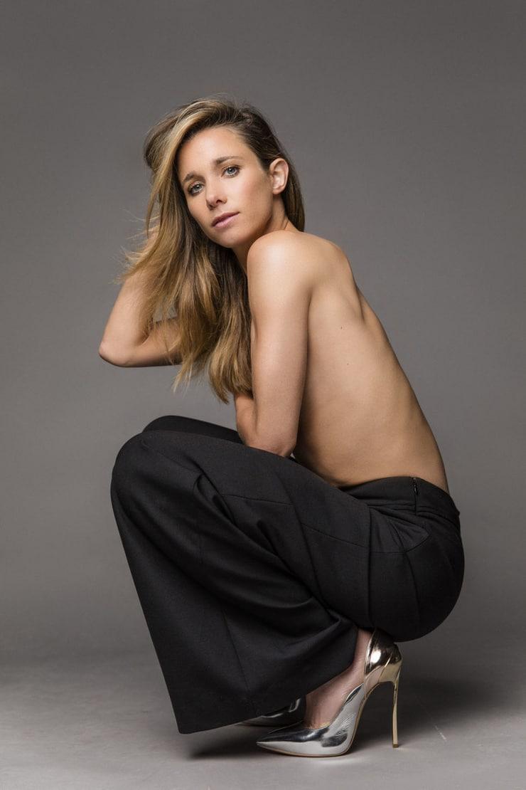 Ellen Hoog topless pics
