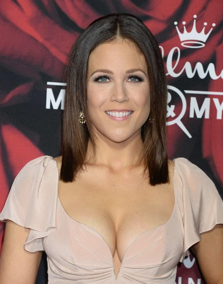 Erin Krakow sexy cleavage