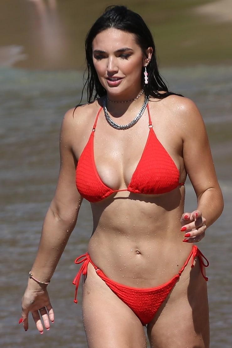 Hailee Keanna Lautenbach sexy look pic