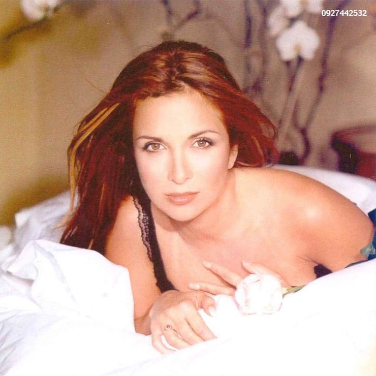 Hélène Ségara near nude pics